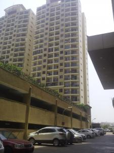 Gallery Cover Image of 1050 Sq.ft 2 BHK Apartment for buy in Malad East for 20000000