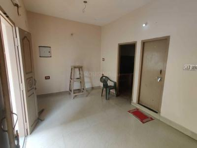 Gallery Cover Image of 600 Sq.ft 2 BHK Apartment for rent in Rajakilpakkam for 8500