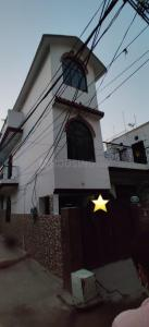 Gallery Cover Image of 1675 Sq.ft 4 BHK Independent House for buy in Ashok Vihar Phase II for 9500000