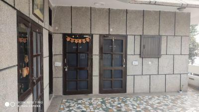 Gallery Cover Image of 2000 Sq.ft 2 BHK Independent Floor for buy in Sector-12A for 6000000