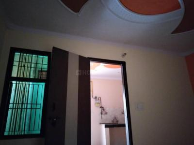 Gallery Cover Image of 500 Sq.ft 1 BHK Independent Floor for buy in Shahdara for 2700000