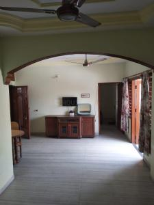 Gallery Cover Image of 1242 Sq.ft 2 BHK Apartment for rent in Navrangpura for 16500