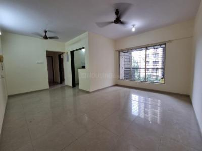 Gallery Cover Image of 940 Sq.ft 2 BHK Apartment for rent in Nirmal Life Style Complex Topaz, Mulund West for 35000