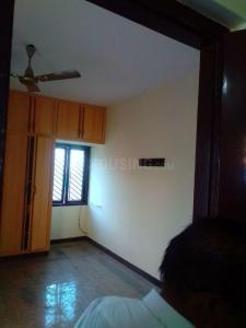 Gallery Cover Image of 1000 Sq.ft 3 BHK Apartment for rent in Saligramam for 35000