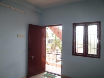 Gallery Cover Image of 500 Sq.ft 1 BHK Independent Floor for rent in Kottivakkam for 8000
