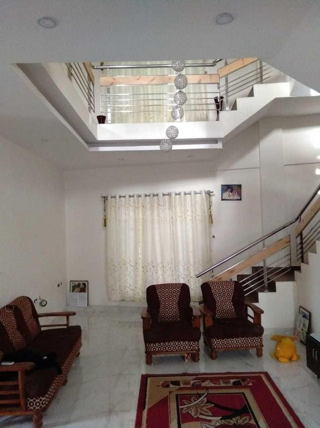Living Room Image of 2400 Sq.ft 3 BHK Independent House for buy in Thanisandra Main Road for 17000000