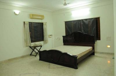 Gallery Cover Image of 2400 Sq.ft 3 BHK Independent House for rent in Thoraipakkam for 20000