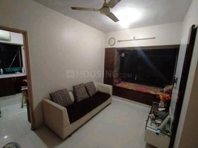 Gallery Cover Image of 550 Sq.ft 1 BHK Apartment for rent in Ahuja Tower, Prabhadevi for 33000
