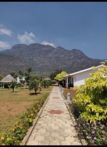 4000 Sq.ft Residential Plot for Sale in Kodaikanal, Dindigul