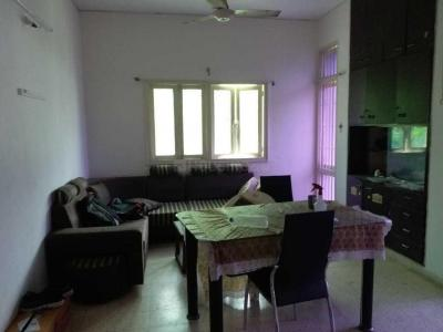 Gallery Cover Image of 2000 Sq.ft 2 BHK Apartment for rent in Ellisbridge for 25000