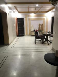Gallery Cover Image of 1800 Sq.ft 4 BHK Apartment for rent in Mayur Vihar Phase 1 for 35000