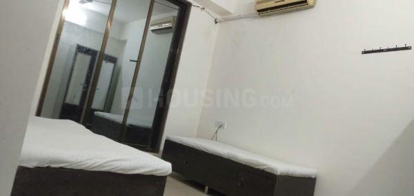 बोरीवली ईस्ट में मुंबई पीजी के बेडरूम की तस्वीर