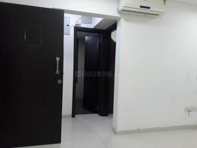 Gallery Cover Image of 1150 Sq.ft 2 BHK Apartment for rent in Lalani Grandeur, Malad East for 40000