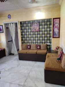 Gallery Cover Image of 651 Sq.ft 1 BHK Apartment for buy in Thane West for 8200000