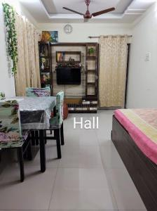 Gallery Cover Image of 660 Sq.ft 1 BHK Apartment for rent in Karanjade for 7000