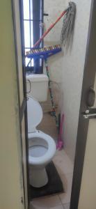 Bathroom Image of Looking For Roommate in Worli