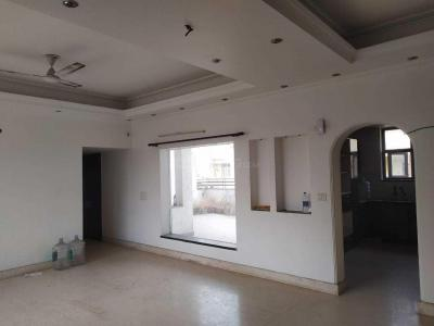Gallery Cover Image of 2000 Sq.ft 3 BHK Apartment for rent in Sector 18 for 30000