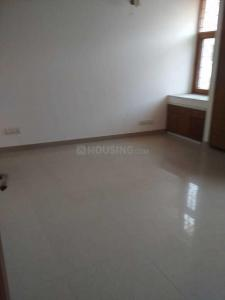 Gallery Cover Image of 2400 Sq.ft 3 BHK Apartment for rent in New Friends Colony for 50000