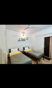 Bedroom Image of PG 4441907 Jogeshwari West in Jogeshwari West