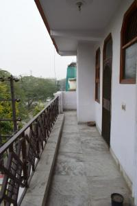 Gallery Cover Image of 1400 Sq.ft 3 BHK Independent Floor for rent in Vaishali for 23000