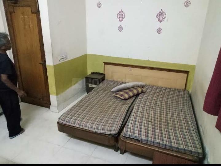 ग्रेटर कैलाश में दिल्ली स्टे एआईएसईसी पीजी में बेडरूम की तस्वीर