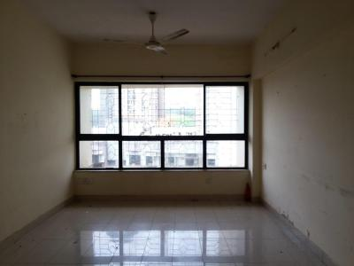 Gallery Cover Image of 900 Sq.ft 2 BHK Apartment for buy in Lokhandwala Riviera Tower, Kandivali East for 12500000