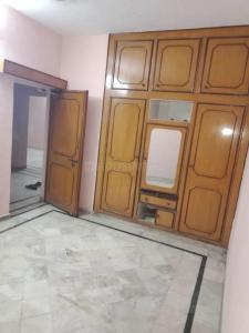 Gallery Cover Image of 1500 Sq.ft 1 BHK Apartment for rent in Paschim Vihar for 15000