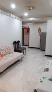 Gallery Cover Image of 650 Sq.ft 1 BHK Apartment for rent in Mahesh Villa, Worli for 55000