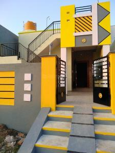 Gallery Cover Image of 1000 Sq.ft 2 BHK Independent House for buy in Veppampattu for 2900000