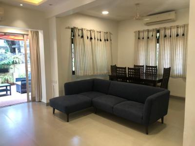 Gallery Cover Image of 950 Sq.ft 1 BHK Apartment for rent in Bandra West for 125000