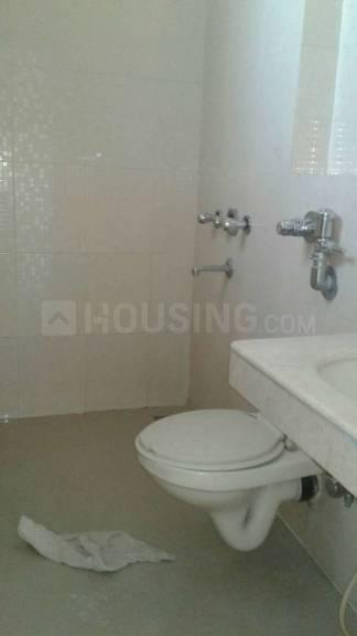 Common Bathroom Image of 450 Sq.ft 1 RK Apartment for rent in Kandivali East for 12500