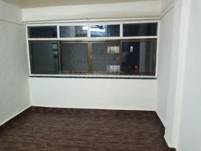 Gallery Cover Image of 435 Sq.ft 1 BHK Apartment for rent in Rishikesh CHS, Malad West for 18000