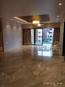 Gallery Cover Image of 2700 Sq.ft 4 BHK Apartment for rent in Juhu for 380000