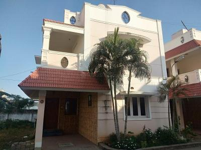 Gallery Cover Image of 1800 Sq.ft 3 BHK Independent House for buy in Pallikaranai for 9500000