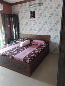 Gallery Cover Image of 1460 Sq.ft 3 BHK Apartment for buy in Malad West for 20000000