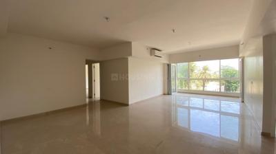 Gallery Cover Image of 2600 Sq.ft 4 BHK Apartment for rent in Godrej The Trees, Ghatkopar West for 150000