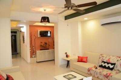 Gallery Cover Image of 760 Sq.ft 2 BHK Apartment for buy in Malad West for 15800000