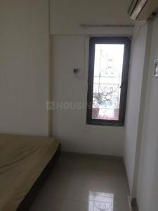 Gallery Cover Image of 1250 Sq.ft 3 BHK Apartment for rent in Florida Apartments, Bandra West for 150000