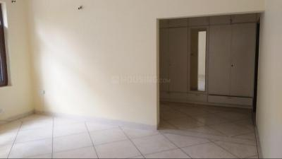 Gallery Cover Image of 1800 Sq.ft 3 BHK Villa for rent in Sector 16 for 26000