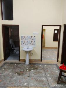 Gallery Cover Image of 1050 Sq.ft 2 BHK Independent Floor for rent in Belgachia for 14000