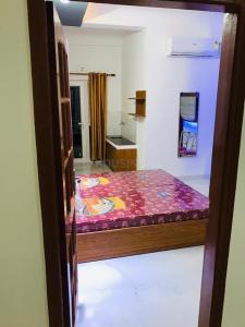 Bedroom Image of Girls PG in Sector 44