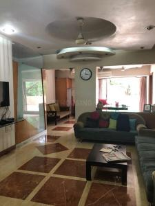 Gallery Cover Image of 1600 Sq.ft 3 BHK Apartment for rent in Bandra East for 150000