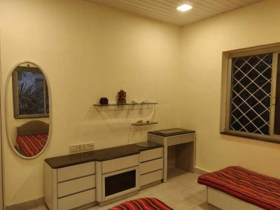 Gallery Cover Image of 2200 Sq.ft 4 BHK Apartment for rent in Santacruz West for 100000