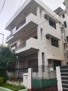 Gallery Cover Image of 3060 Sq.ft 7 BHK Independent House for rent in Salt Lake City for 130000