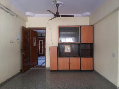 Gallery Cover Image of 840 Sq.ft 2 BHK Apartment for rent in Thane West for 21000