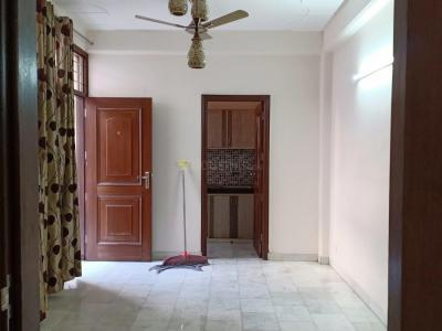 Gallery Cover Image of 650 Sq.ft 1 BHK Apartment for rent in RWA Khirki Extension Block R, Malviya Nagar for 18000