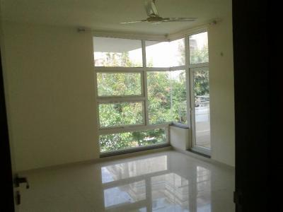 Gallery Cover Image of 1400 Sq.ft 3 BHK Apartment for rent in Viman Nagar for 50000