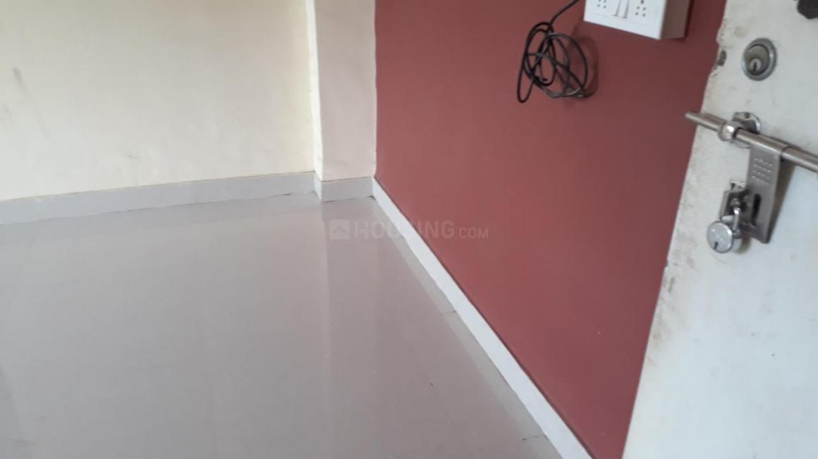 Living Room Image of 350 Sq.ft 1 RK Apartment for rent in Thane West for 10000