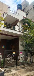 Gallery Cover Image of 2400 Sq.ft 3 BHK Independent House for buy in Bennigana Halli for 19000000