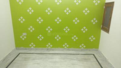 Gallery Cover Image of 500 Sq.ft 2 BHK Independent Floor for rent in Dwarka Mor for 10000